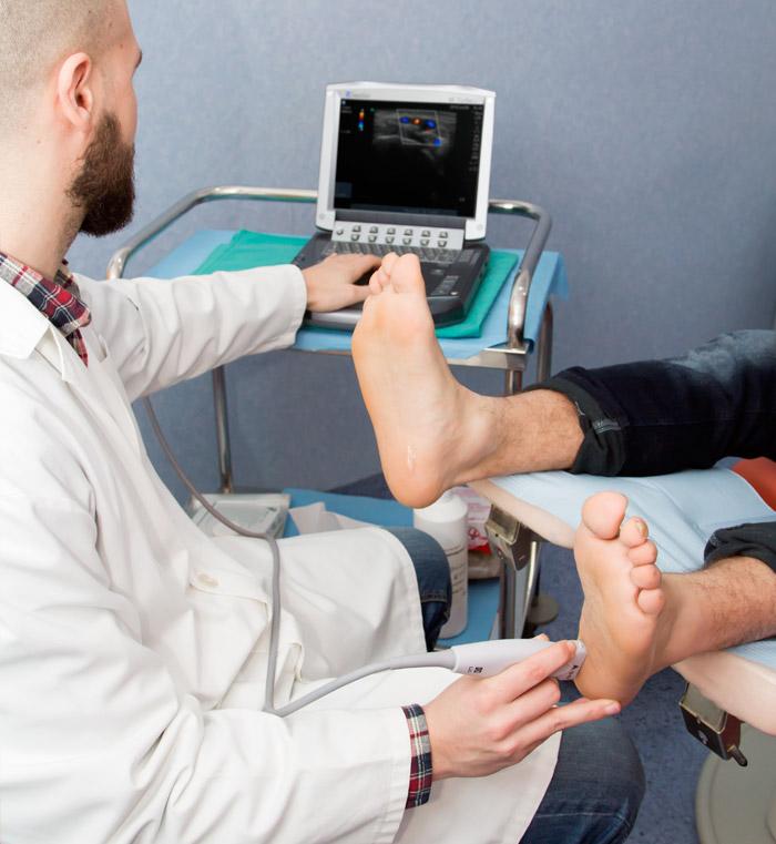 servicio-ecografia-clinica-de-haro-podologo-almeria-esteban-de-haro